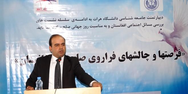 فیصل کریمی: رسانهها با اصلاح نگرش سیاستمداران، میتوانند صلح را در افغانستان ترویج دهند